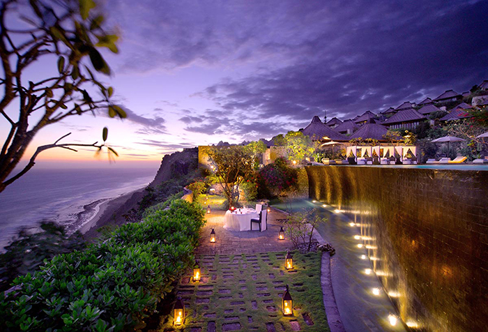 Starlight Dinner at The Lower Pool Cliff 700