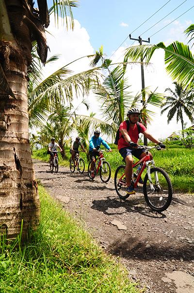 Batur Cycling 1 400