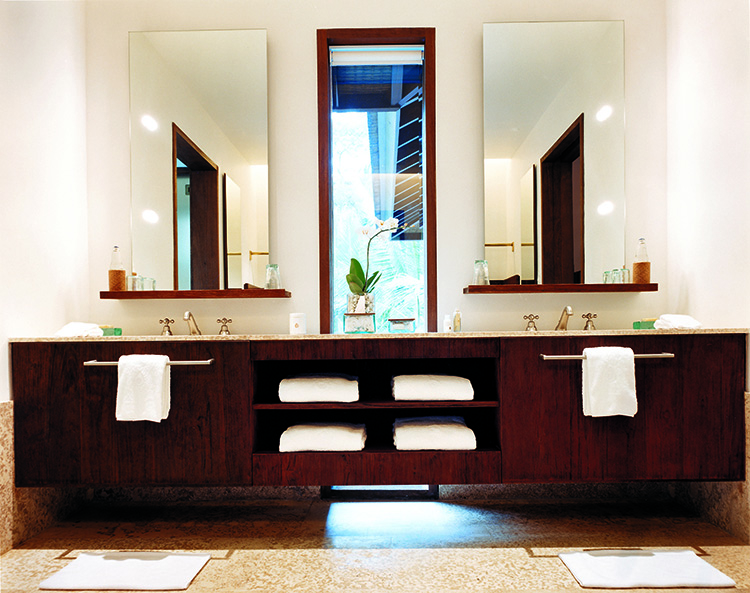 44182803-h1-2br_retreat_villa_bathroom_2-750