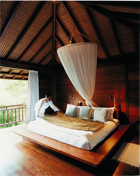44184001-h1-tirta_ening_master_bedroom-563