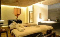 22. Suma Spa room treatment 209 129.jpg