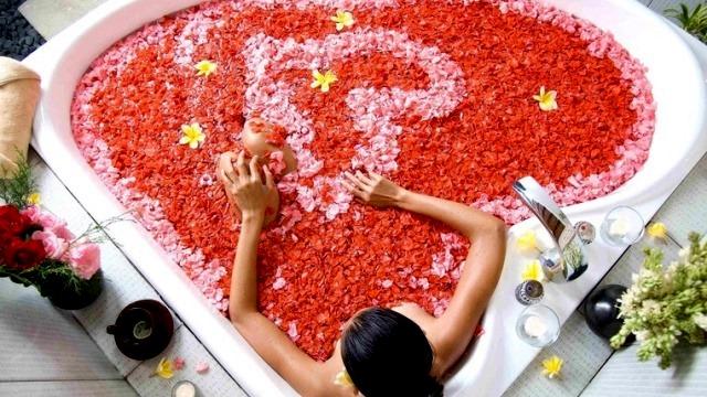 Flower Bath-3 640 360.jpg