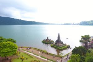 ウルンダヌブラタン寺院