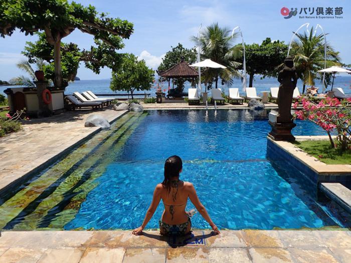 トレッキング後はホテル(ビーチリゾート)のプールでさっぱり!
