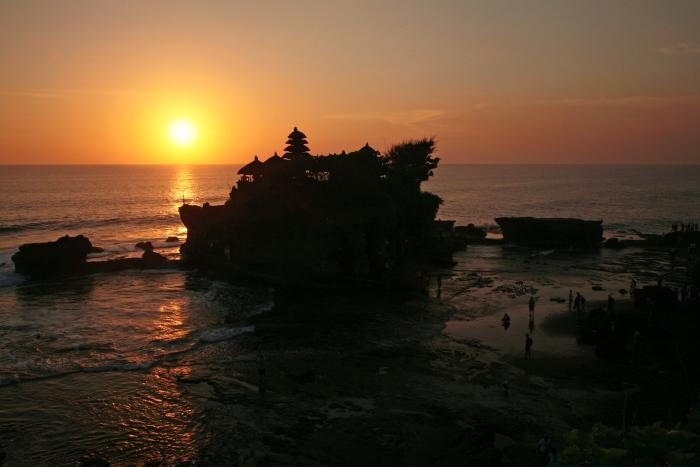 コンビA (ウブドde名所めぐり&ランチ + タナロット、タマンアユン寺院&シーフードディナー)