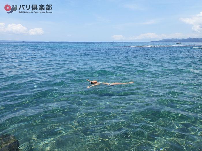 綺麗な海で海水浴もできます
