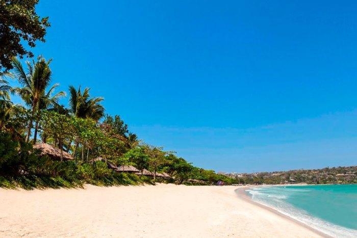 目の前はジンバランのビーチ