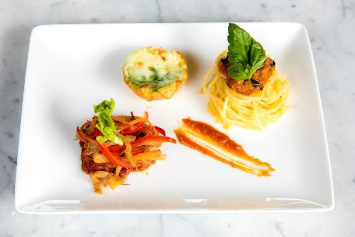 お子様メニュー BBQソーセージ、ボロネーゼスパゲッティ、野菜炒め(イメージ)