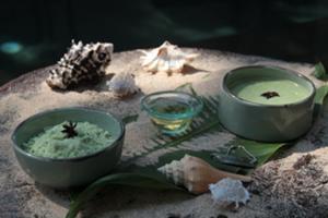 海藻には健康な肌を維持する 抗酸化作用を有する物質が含まれ ており、肌のくすみをとり明るくする効果 があります。