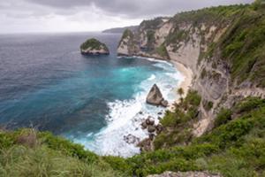 雄大な景色!最後の楽園と言われているペニダ島。