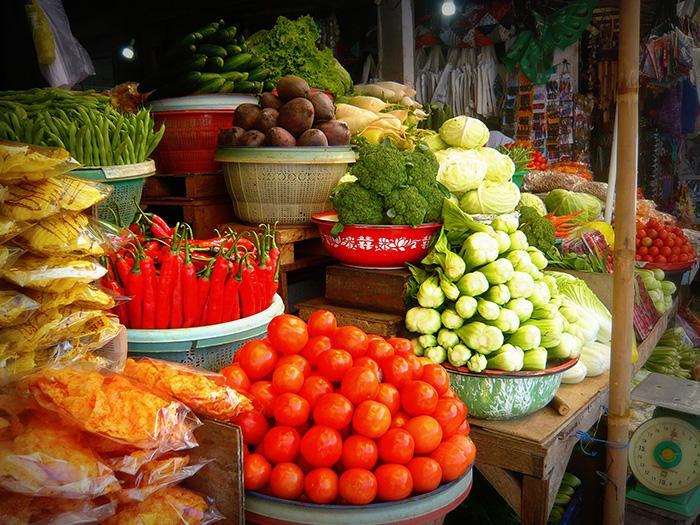 つやつやで新鮮そうで思わず買いたくなる果物、野菜。