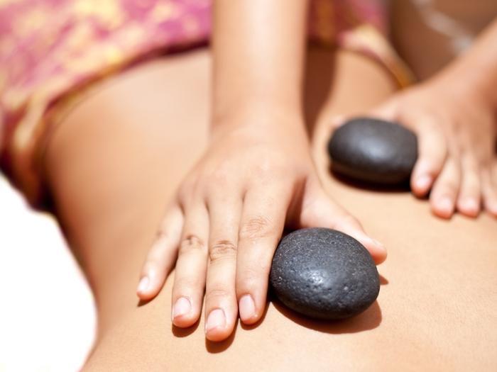 筋肉の緊張や冷えからくるむくみなど、様々な不調やストレスを和らげます。