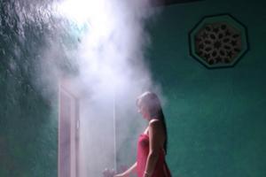 スチームサウナへ入れば、発 汗と共に毛穴の奥の汚れが完全に排出され、デトックス。