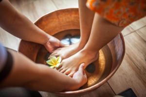 全身のツボが集結している足の裏は自分の健康のバロメーター。