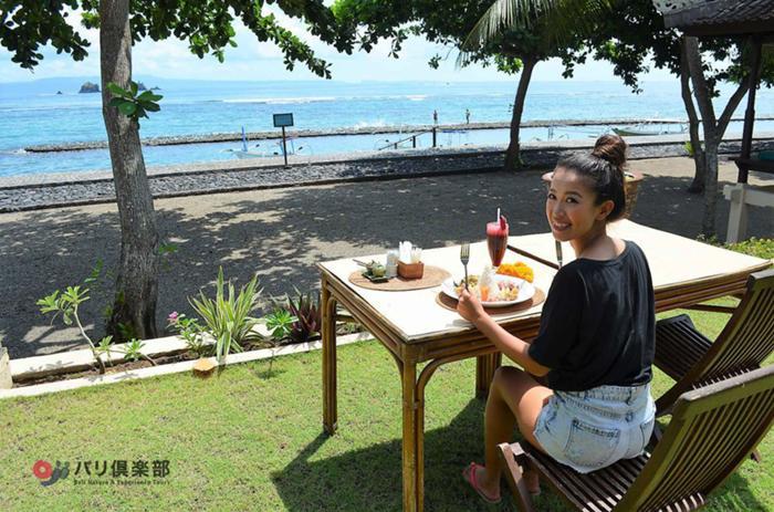 ナシゴレンなどのインドネシア料理やバリ島伝統料理のチョイスがある美味しいランチ