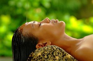 脳と神経を奥からリラックスさせ、瞑想の世界へとご案内致します。