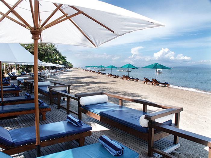 サヌールのオンザビーチのリゾート