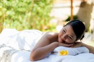 マングローブに囲まれた自然豊かな空間で、日常を離れゆったりとした癒しの時間を過ごしませんか。