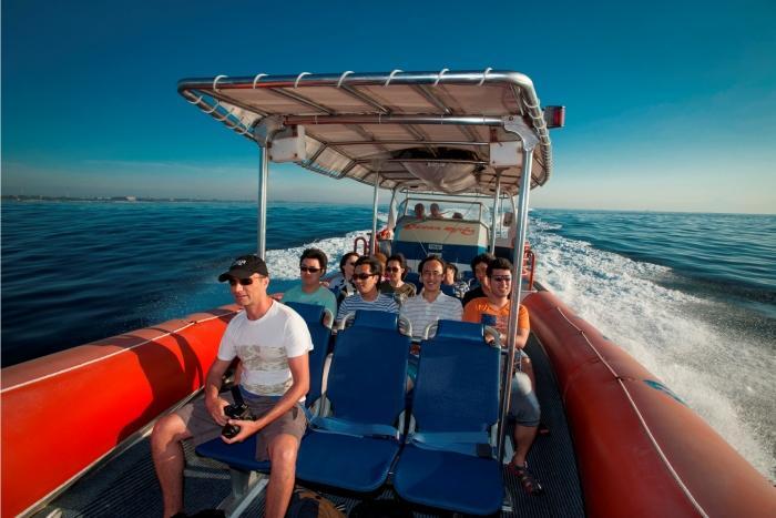 バリ島の南岸線をクルーズ、腰掛けて、しっかり掴まって、レッツゴー!