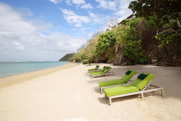 ヌサドゥアの美しい海を楽しむならサマベがおすすめ。