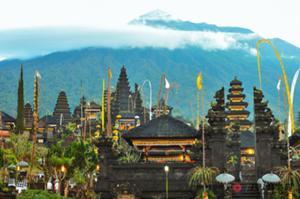 バリ島の総本山アグン山とブサキ寺院