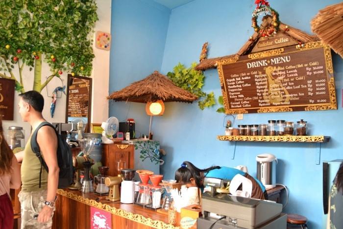 コーヒーショップで一休み。幻のコーヒーと言われる、ルアックコーヒーを試してみる!(フリータイムイメージ)