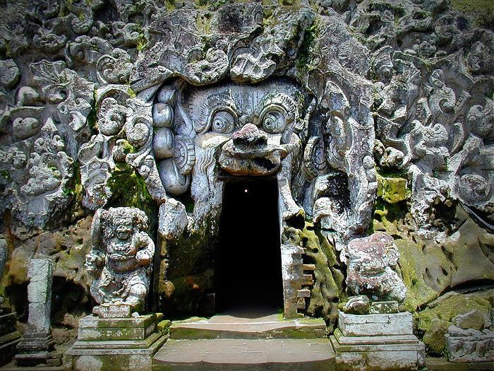 11世紀頃の古代遺跡、象の洞窟、ゴアガジャ