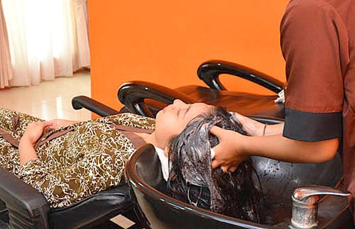 毛穴の汚れをしっかり落とし,頭皮の血行の促進,全身の代謝を良くするクリームバス。
