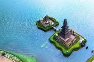 湖に浮かぶ ウルン・ダヌ・ ブラタン寺院