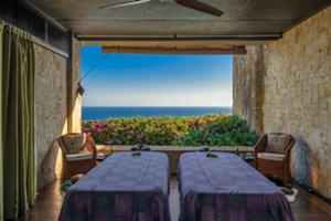 バリ島の最南端インド洋の絶景が広がります。海風を感じながら体験するラグジュアリースパ。
