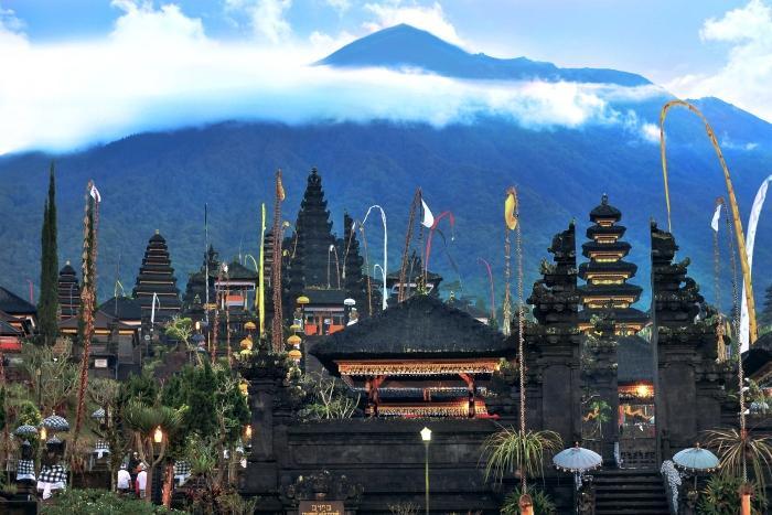 聖地ブサキがバリヒンドゥー教の総本山。