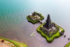 空から見た、ウルンダヌバトゥール寺院